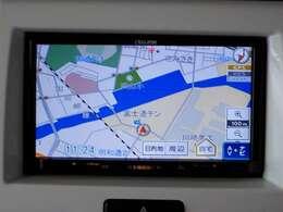 富士通製のナビゲーションが装備されています。ワンセグTVチューナー内蔵です。