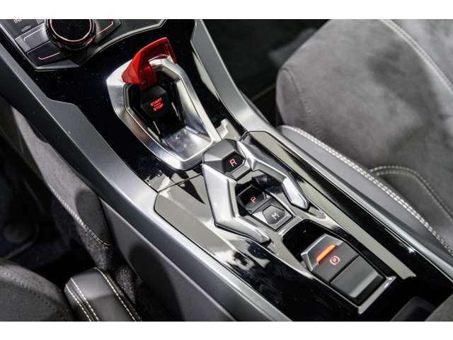 ランボルギーニ目黒は世界初の正規ディーラー認定中古車販売拠点です。6台を常時展示しております。メーカー基準の整備後ご納車致します。ご安心のランボルギーニカーライフをご提供させて頂きます。