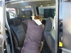 車内清掃もお任せ下さい!シートの汚れ等ご相談下さい!自社にて塗装・鈑金・清掃をを行っております!