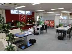ゆったりとした空間の中にも気軽によれるアットホームな雰囲気のお店を目指してひとりひとりスタッフ一同が頑張っていきます。