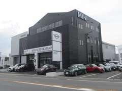 西日本最大級のMINI展示台数!きっとお気に入る車輛を見つけれます!