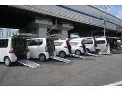 車検や事故修理の際は無料代車で同じ形状車輌をご用意できます。