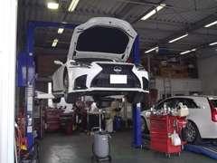 自社認証工場にて車検・整備を行い安心カーライフをご提供します