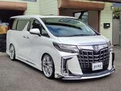 軽自動車~高級外車・スポーツカー等、様々な車を扱ってます!!