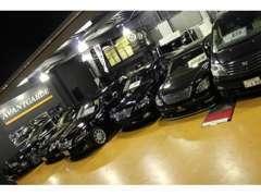 国産セダンからミニバン&軽自動車まで幅広い得意分野でご用意。