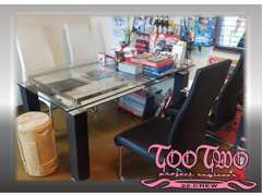 こちらが商談テーブルとなっております。お客様の要望も気兼ねなくお聞き出来る環境を作っていきます!