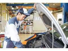 認証整備工場で国家資格を持つ整備士がお客様の大切な車を整備いたします!