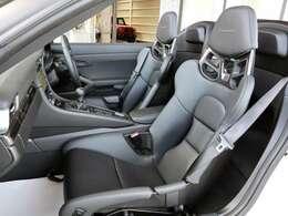 ◆カーボンファイバー製フルバケットシート ◆カーボンインテリアパッケージ ◆カーボンドアシルガード