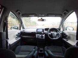 ドライブ装備も充実した車内!HDDナビに、Bluetooth音楽・ETC・パドルシフトなど、文句なしの充実した装備品の数々☆ドライブもきっと!楽しくなること間違いなし♪7人乗の1.8リッターは人気です