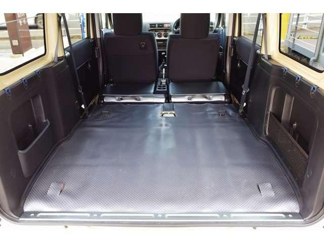 トランクスペースはリヤシートを格納することにより荷室スペースが変更致します。実施に自転車・荷物などを持参頂き確認も出来ますのでご来店お待ちしております