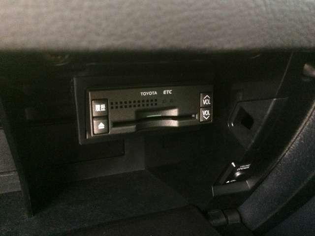 ダッシュボード内には、高速道路走行時には欠かせない、ビルトインETC完備!