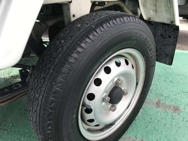 京都の自動車販売店N-styleは新品タイヤ・中古タイヤの販売 持込み取り付けもしております。電話075-632-6666 お気軽にご相談下さいませ。 http://www.n-style.cc/  ライン https://page.line.me/jzz4612h