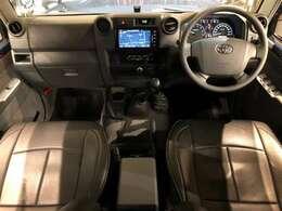 ランドクルーザー76【再販モデル】5MT/4WD/トヨタ純正SDナビゲーション/バックカメラ/DVD/フルセグTV/ETC完備☆シートの状態も大変良好な1台になっております♪♪