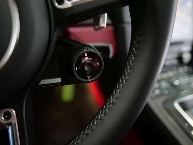 ハンドルのボタンでノーマル・スポーツ・スポーツ+などのドライブシーンを選択することができます。スポーツ+にするとトルクがさらにUPし迫力のサウンドを奏でます。