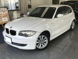 BMWコンパクトカー!人気カラーのアルピンホワイト!