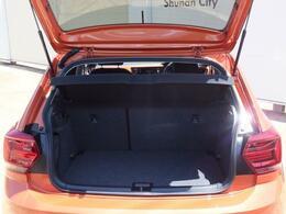 トランクの容量は351Lあり後部座席を倒すことにより1125Lのスペースを生み出すことが出来ます。