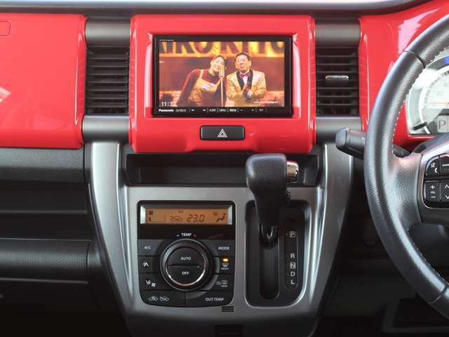 CD搭載ですので好きな音源で楽しくドライブに通勤に使ってください★