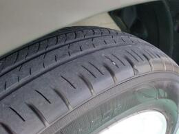 タイヤ溝はじゅうぶんあります