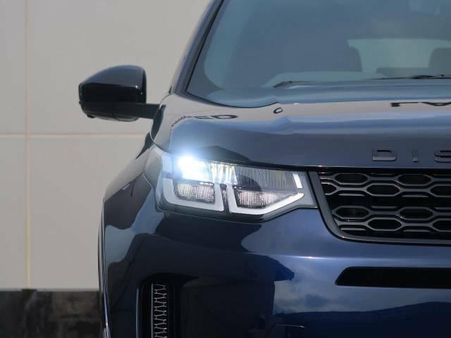 【LEDヘッドライト】LEDライトは基本的に交換の必要が少なく、消費電力が少ないことから燃費向上につながります。自然光に近い光を再現するため夜間運転の疲労も軽減するでしょう。