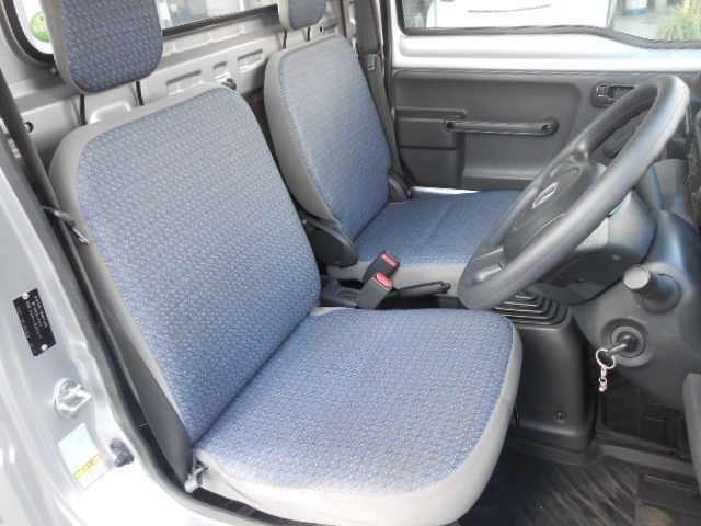 内装 きれいなお車です♪シートの状態もまずまず良いと思います♪