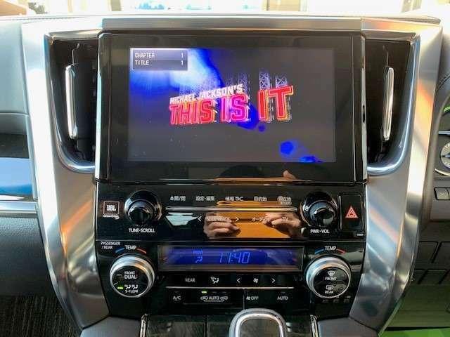 純正SDナビではDVDも高音質で視聴可能です。