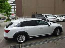 当社サンズ新横浜本店は、創業44年の輸入車専門店の営業にて得た経験を活かし、皆様の安心カーライフを全力でサポート致します。