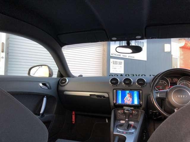 車内はブラックでまとまりかっこいいです。