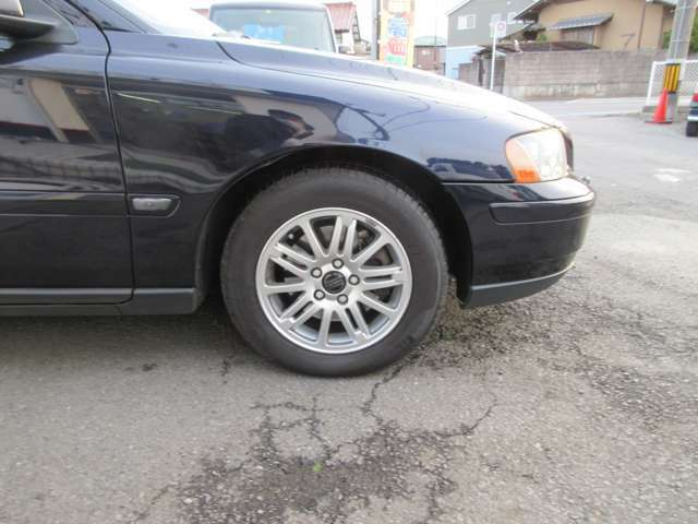 各メーカータイヤは当店にお任せください! 国産&輸入タイヤの購入 履き替えはゼストまで!!!