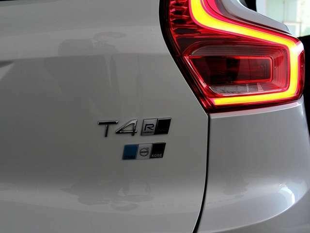 T4 Rデザイン AWD