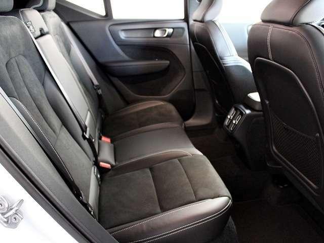 ボルボヘリテージ「車は人によって運転され、使用される。したがって、ボルボの設計の基本は、常に安全でなければならない。」