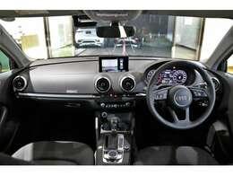 コンパクトボディで取り回しが良く、また視界が広くとても運転しやすいお車です!