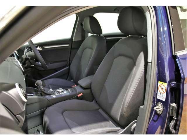 ABSや横滑り防止装置などの安全面もしっかりです。