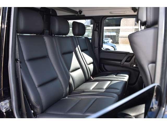 ●後部座席もゆとりある空間となっております。