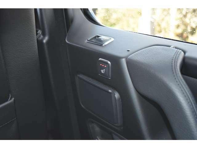 ●後部座席もシートヒーター装備しています!冬でも、快適に車内でお過ごし頂けます♪