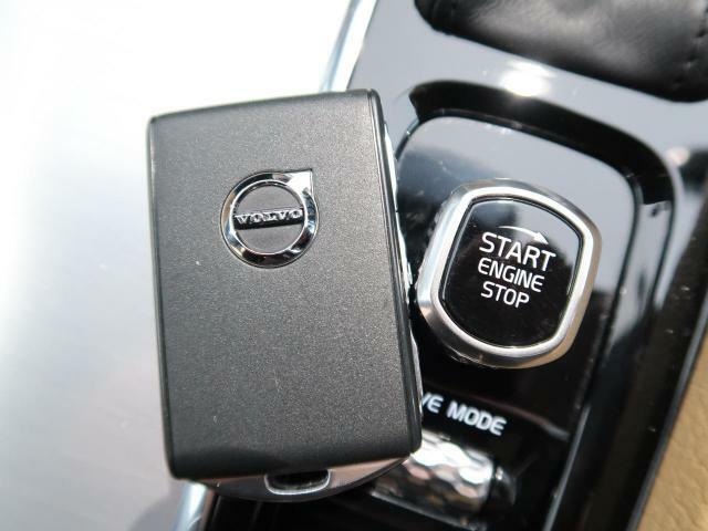 ◆PCC『スマートエントリー機能を搭載。キーフリーでのロック・アンロックから、エンジンスタートまでをおこなっていただけます。乗り降り楽々!女性にも喜ばれるポイントの高い装備です。』
