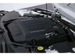 5.0L V型8気筒DOHCスーパーチャージャー