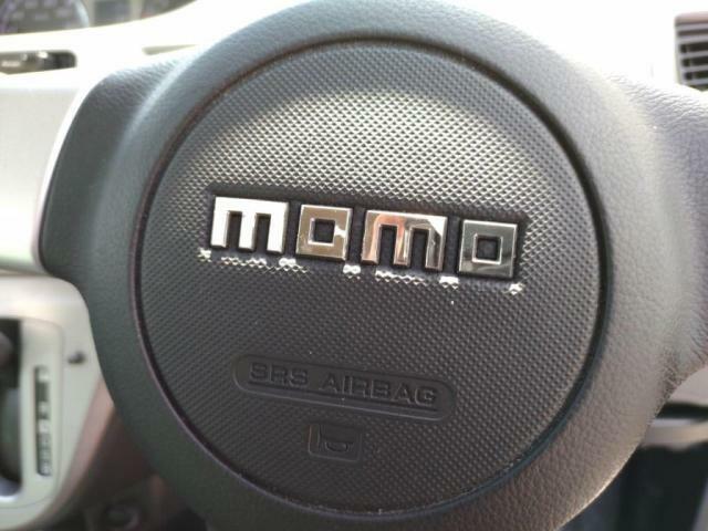 「MOMOステアリング」