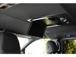 後部座席用のフリップダウンモニター。TVやDVDの再生ができます。