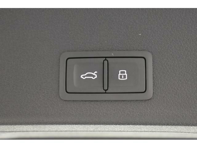 ●オートマチックテールゲート『ボタン一つでリアゲートの開閉が可能です。』