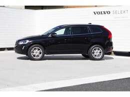 SUVモデルならではのスタイリングで運転もしやすく、乗り降りもしやすい特徴も兼ね備えています。