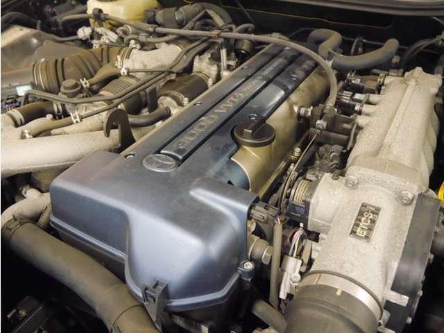 2JZ-GTE 3.0L直6DOHCツインターボエンジン搭載