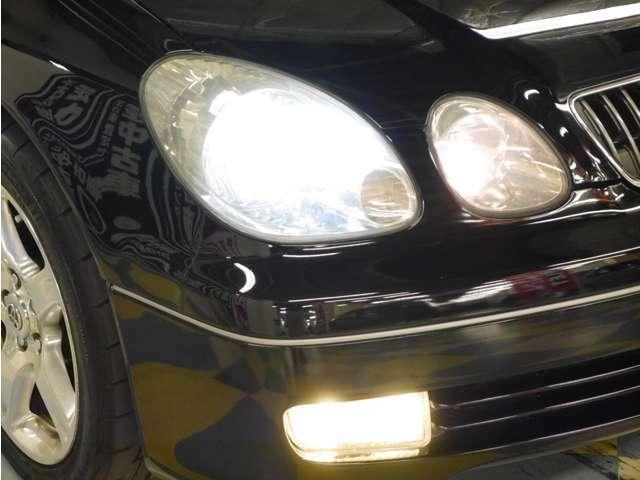「HIDヘッドライト」明るい光で暗い夜道も安全に運転できますね♪
