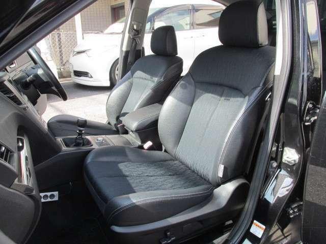 助手席にも「パワーシート」を備え、ゆったりとご乗車いただけますよ