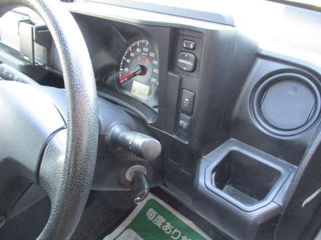 カーナビ・バックモニター・ドライブレコーダー・ETCご用意が有ります。もちろん持ち込みも大歓迎です。お気軽に取り付け等はお申し付けください。