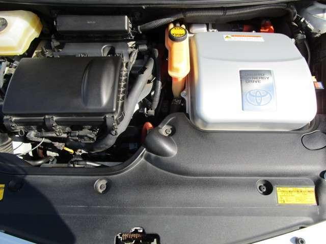 1.5L水冷直列4気筒DOHC+モーターエンジン!