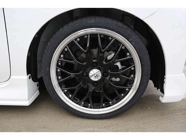 全車・点検・整備後のご納車となっており、自社整備工場にてキッチリ整備してからのご納車になります。ご安心ください。社外品パーツの取付、購入も出来る限りお安くさせていただきます。