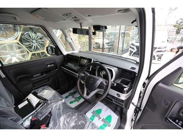 ご納車後のサポートはもちろん、整備、点検、車検もお任せ下さい。遠方のお客様は最寄りのディーラー様での整備も可能です。