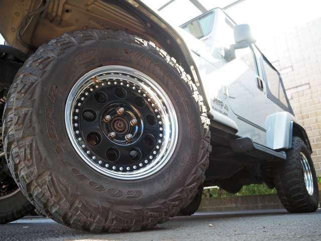 社外16インチAWに265/75R16M/Tタイヤ!