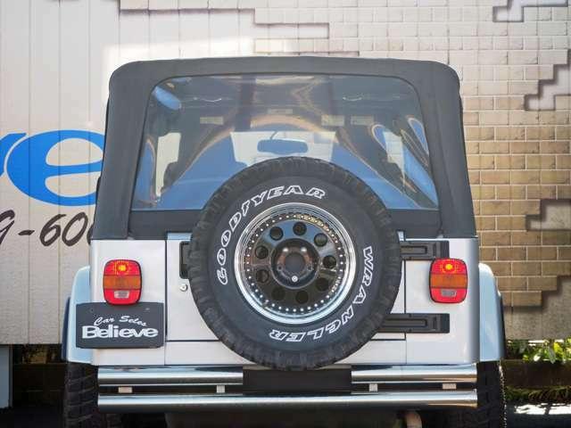 もちろん背面タイヤも社外に交換済み!