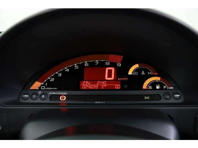 吹き上がりの良いエンジンで高速回転域での走行は唯一無二の爽快さをご体感頂けます!